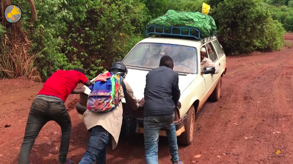 «SUR LES ROUTES» COUP DE COEUR ET COUP DE GUEULE DE SALLY EN GUINEE – LA WEBSERIE DES HAUT-PARLEURS ARRIVE SUR TV5MONDE